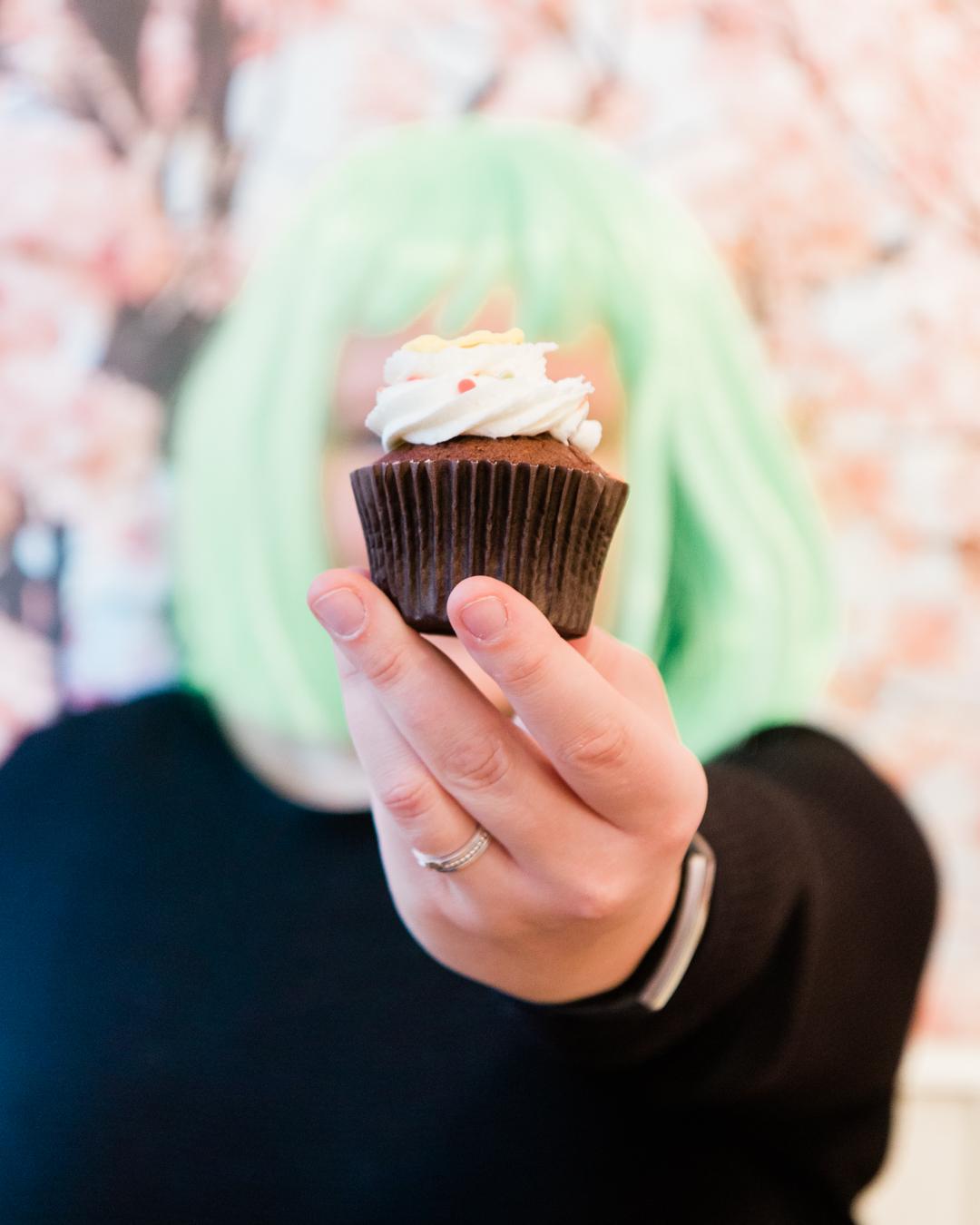 Onderneemster met cupcake